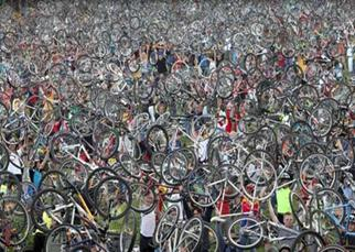 حرکت دسته جمعی برای ترویج دوچرخه سواری به عنوان راهکاری برای مقابله با آلودگی هوا