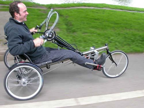 دوچرخه مخصوص معلولین
