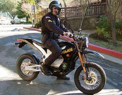 استفاده پلیس از موتورسیکلت الکتریکی خاموش