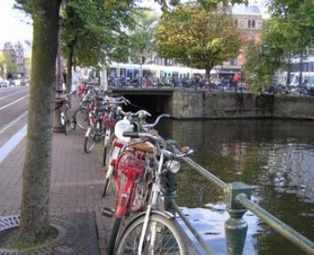 بررسی  ویژگی های کالبدی استفاده از دوچرخه جهت گردش و تفریح در شهر