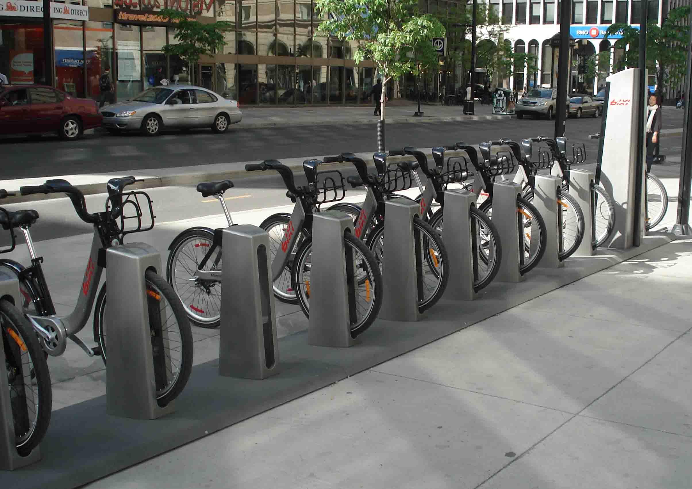 شهرداري لندن ايستگاه هاي دوچرخه در اين شهر تاسيس کرد