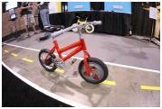 یک چرخ با تعادل بیشتر از دو چرخ