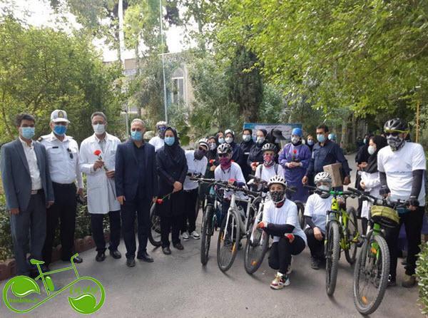 تجلیل ملی پوشان دوچرخه سوار از کادر درمان بیمارستان لواسانی و بوعلی