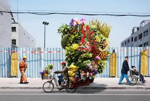 فروش گل با دوچرخه در چین !