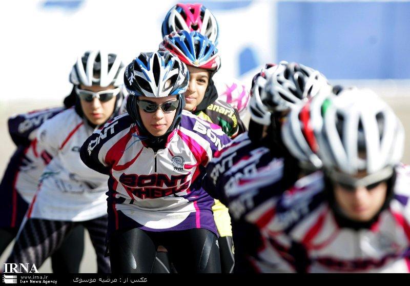 سیزده بانوی اسکیت باز به اردوی تیم ملی ايران دعوت شدند