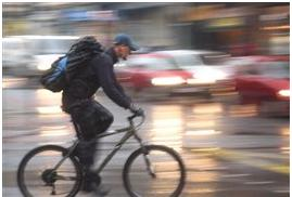 منافع دوچرخه سواری در شهر از مضراتش بیشتر است یا کمتر؟