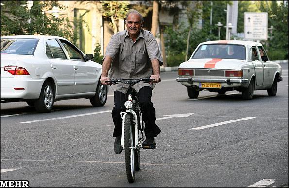 دوچرخه تنها راه نجات آسمان تهران است