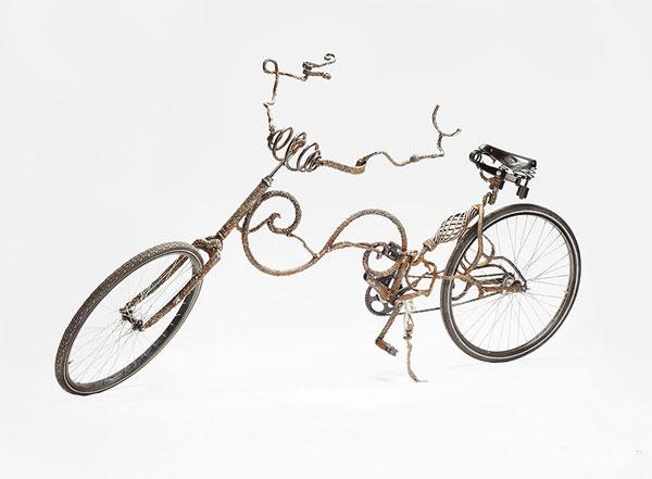 تصويري از دوچرخه ي عجيب!